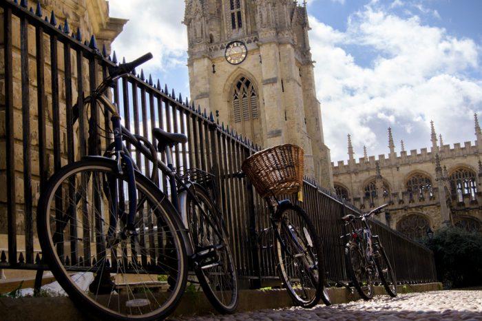 Reino Unido: Becas Para Pregrado en Diversos Temas Oxford University